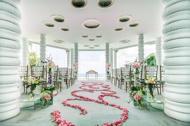 Commitment Wedding Kamaya Pavilion Cliff Top Opulence Package Rp 45.045.000 net (3,000 +15.5% tax and services)