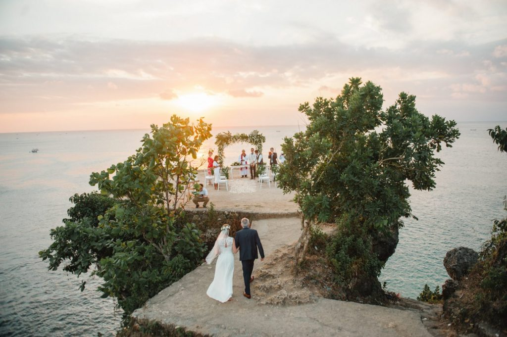 cliff top bali wedding