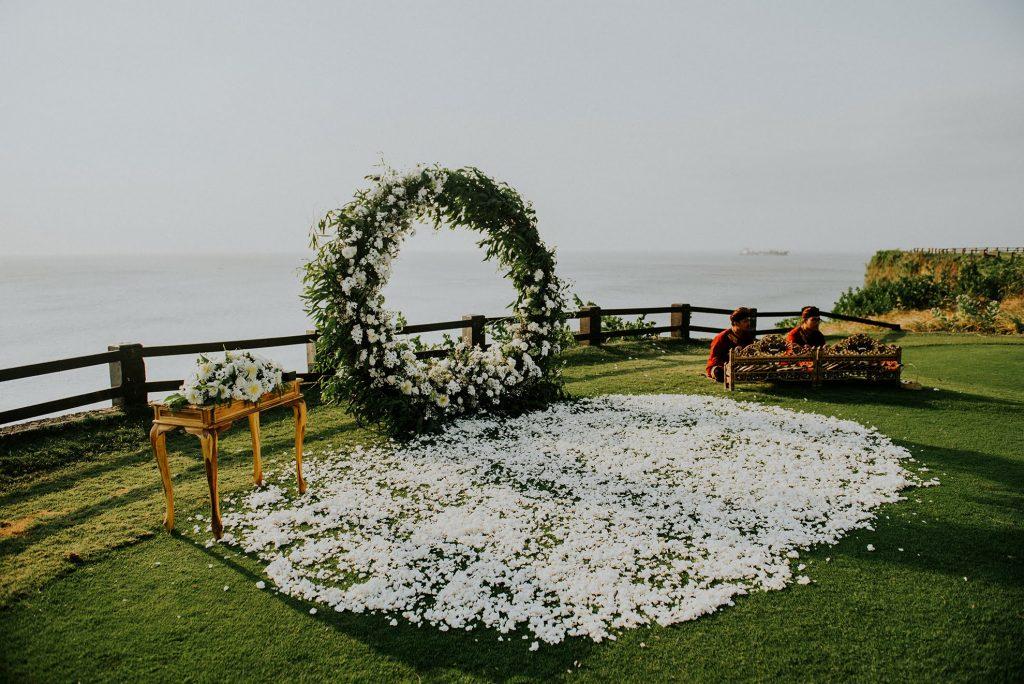 Clifftop bali wedding
