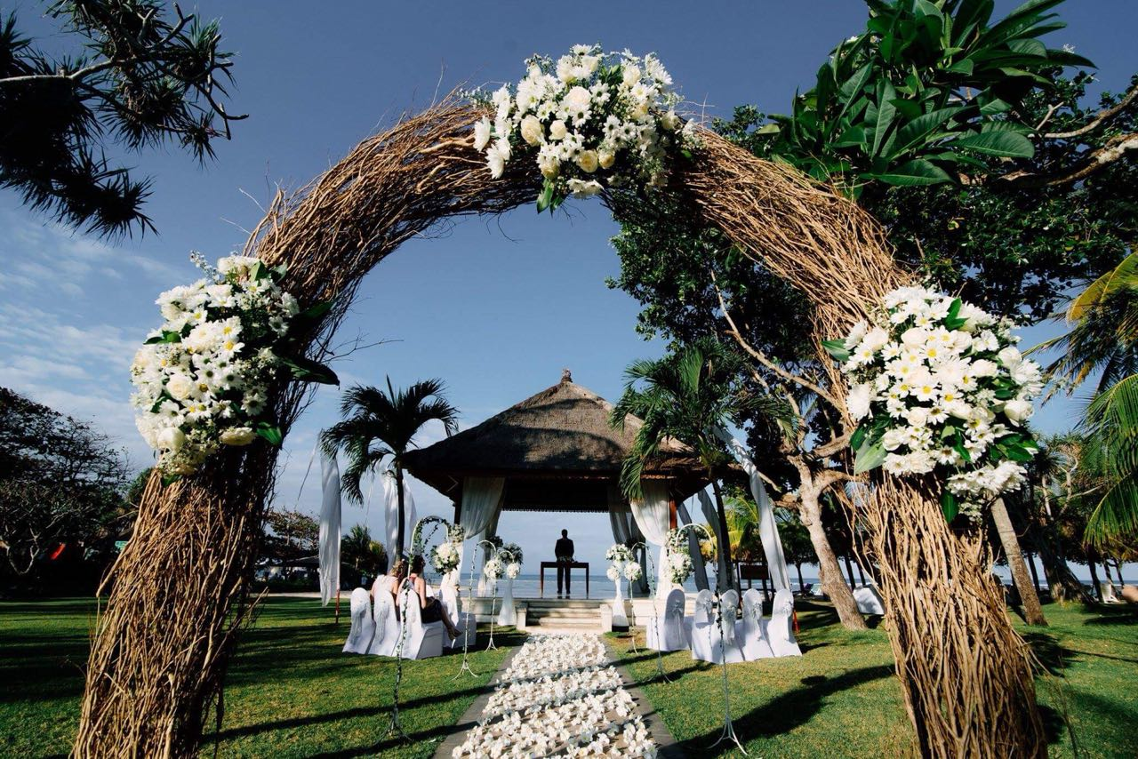 nusa dua beach front wedding