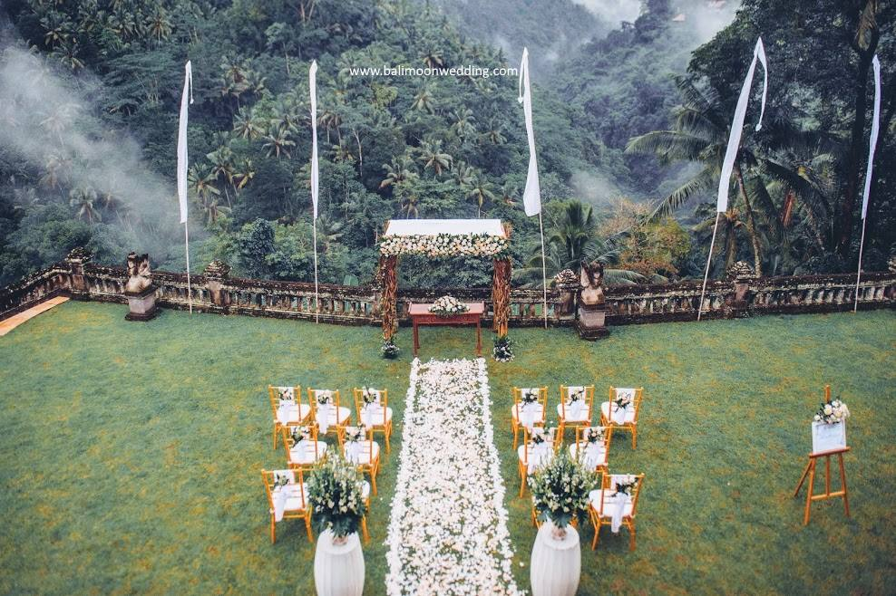 puri wulandari - bali moon wedding